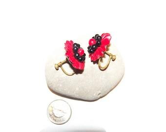 Vintage Glass beaded flower screw back earrings, flower earrings