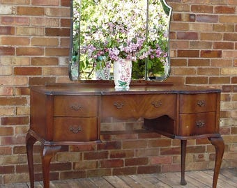 Available for Commission, Vintage Queen Anne Style Dressing Table, Painted Furniture, Annie Sloan, Vintage Furniture