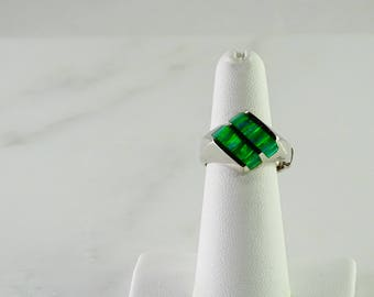 Green Stone Sterling Silver Ring Size 6*
