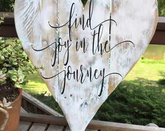 Find joy in the journey,Pallet wood,Heart Wall Decor,Family quote,farmhouse sign,home sign,Family wood sign,shabby chic sign,pallet wood art