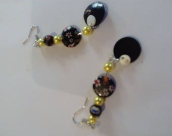 Yellow bead and cabochon earring