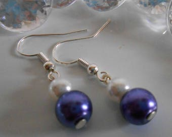 Duo of purple and white pearls wedding earrings