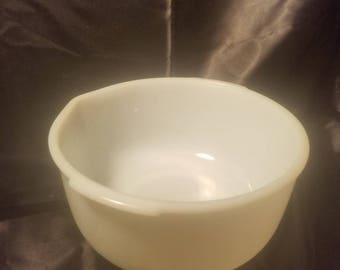 Vintage 1950s Sunbeam Mixmaster FireKing Large Milk Glass Mixing Bowl
