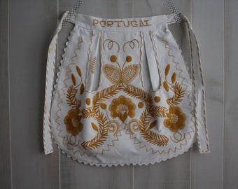 Vintage Portugal Embroidered Apron / Vintage Apron / Embroidery / Portugal / 1950s