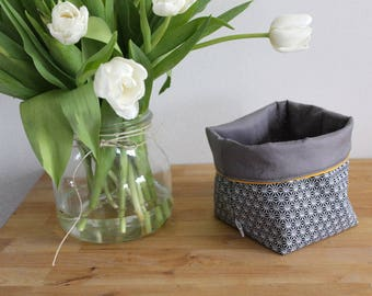 Quilted reversible fabric storage basket