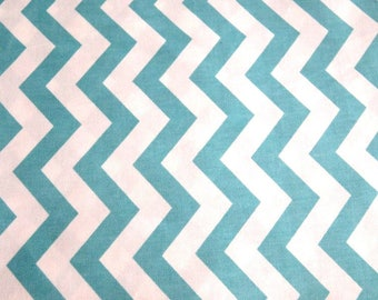 Turquoise and white wave cotton 50 x 160 cm
