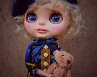 Ooak customed factory blythe doll / MAPLE