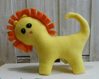 Stuffed yellow lion plush toy, fleece lion toy, gift for girls, gift for boys, lion stuffed animal