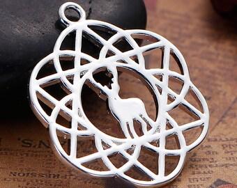 Flower of life pendant / 2.8 cm silvered Metal deer / Animal
