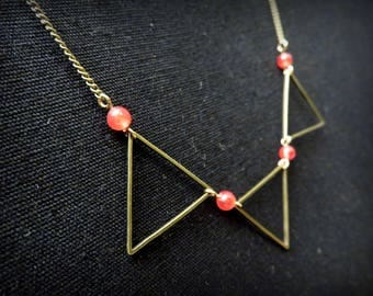Graphic necklace three triangles bronze beads and Red