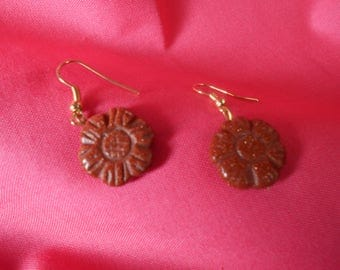 Hand Carved Gold Stone Flowers Radiantly Shine!