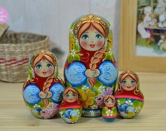 Wooden Russian dolls, Gift for sister, Handmade nesting doll, Matryoshka, Cute gift for her, Hand painted stacking dolls, Babushka doll