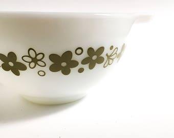 Vintage Pyrex bowl Spring Blossom, Vintage Pyrex bowl, White Pyrex bowl, Pyrex 1960, White glass bowl, Pyrex collection