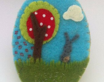 Felt jewelry - Brooch with my tree