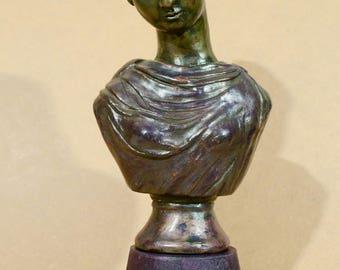 "Purple figurative sculpture and brass ""Athenian"" - unique"