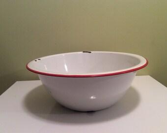 Vintage Large Enamel Wash Basin Red Trim White Metal Farmhouse Country Kitchen Decor Large Bowl