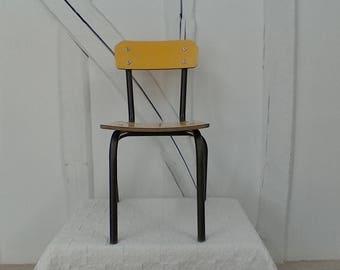 Petite chaise d'écolier en formica jaune vintage