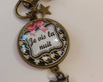 """key with glass cabochon """"I live the night"""""""
