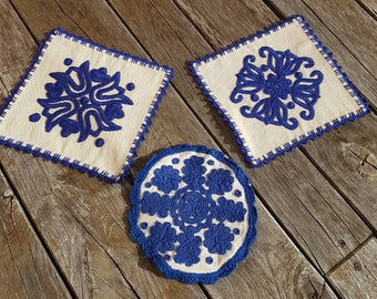 SET of 3 pieces Hand woven doily natural linen folklore blue embroidery,  Hungarian Kalotaszeg tulip motive heritage hand embroidery