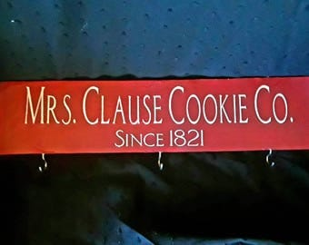 Mrs. Clause cookie cutter hanger