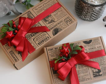 Set of 2 Christmas gift boxes, box with red bow, Christmas box with lid, gift bag, gift for sister, gift wrapping for Christmas, Santa gift