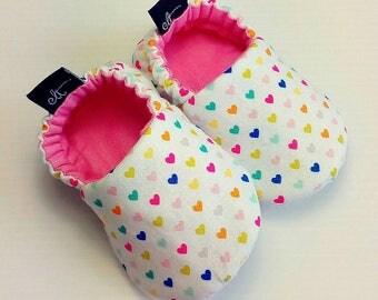 Baby Booties / Baby Shoes / Handmade Booties / Soft Sole Booties / Soft Sole Shoes / Love Booties / Fabric Booties / Baby Girl Booties