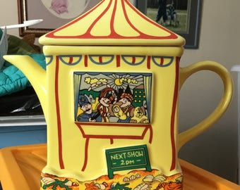 Wade Punch and Judy Show Teapot - Boxed