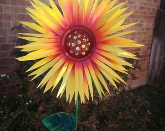 Metal Garden Stake, Chrysanthemum Garden Stake Flowers, Metal garden Art, Metal Flowers