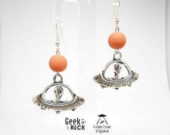"""""""I want to believe"""" alien earrings"""