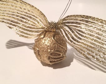Harry Potter Golden Snitch with flexible wings