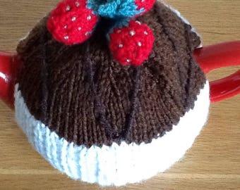 Hand-knitted chocolate cake&strawberries tea cosy