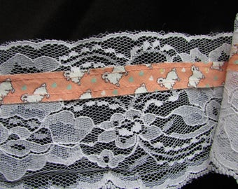BTY Little Lamb Lace, 25 yards, 3.5 inches wide.  White with Orange Bias   (028)