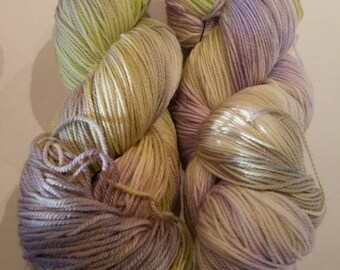 A little vireo at my window hand dyed yarn