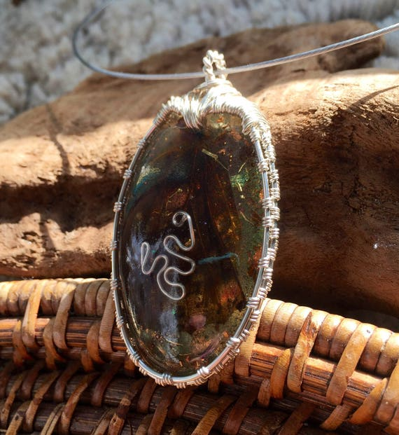 Green Manifestaion Orgonite® Pendant- Butterfly Wing Orgone- Abundance & Negative Energy Release- Emotional Stability and Personal Healing