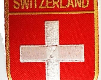 Aufnäher / Bügelbild - Schweiz Flagge Fahne - rot - 6,3 x 7,3 cm - by catch-the-patch® Patch Aufbügler Applikationen zum aufbügeln Applikation Patches Flicken