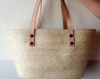 Straw bag genuine leather handles.Handwoven wicker bag. Market bag. Basket tote. Picnic bag. Basket bag. Beach bag. Summer bag. Garden bag.