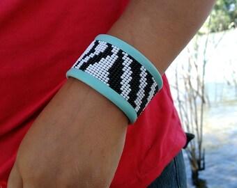 Zebra beaded leather cuff bracelet,zebra Bracletes,cuff Bracletes,bracletes