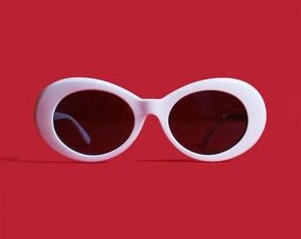 Vintage Round Kurt Cobain Style Sunglasses - Nirvana Circle Jackie Onasis Large White Frame Music Festival Gear Costume Retro Sunnies