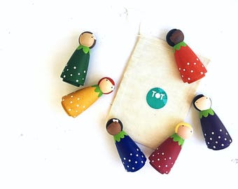 Waldorf Peg Dolls, LARGE Berry Peg Dolls, Wooden Peg People, Fruit Gnomes, Wood Dolls, Multicultural Dolls, Preschool