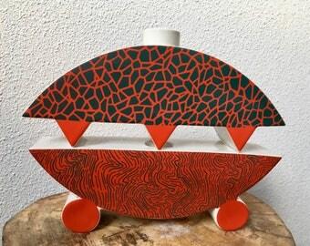 Ceramic design set, Memphis design from Heide Warlamis