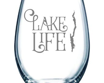 Set of 2 - Lake George Lake Life - Etched 15 oz Stemless Wine Glass