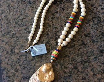 Colorful oyster shell necklace gold