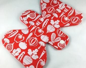"Veggies - Red - 7"" inch - 2L - Reusable Cloth Pad"