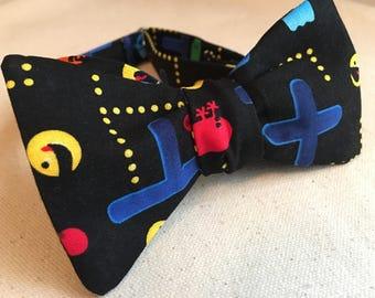 Pac-man Bow Tie/ Pacman Tie/ men's Bow Tie/ video game Tie/ Graduation Gift/ Atari tie/ Black Dog Bow Tie/ inky blinky pinky clyde