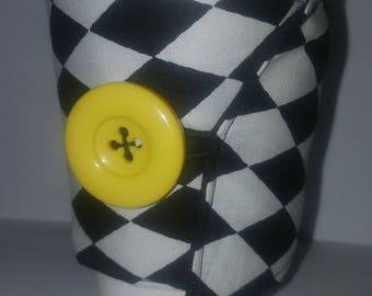Black and White Checkered Drink Sleeve
