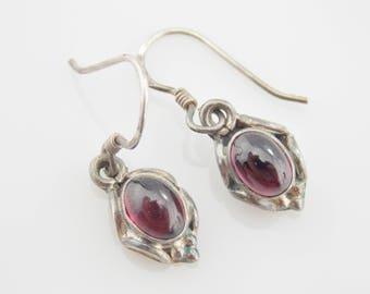 Garnet Earrings, Sterling Earrings, Rhodolite Garnet, Vintage Sterling Silver Oval Cabochon Rhodolite Garnet Dangle Earrings #3151