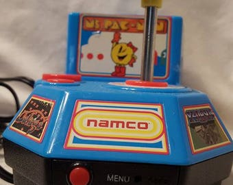 2003 Ms. Pac Man by namco Plug and Play TV controller