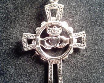 Sterling silver Claddagh cross (8)