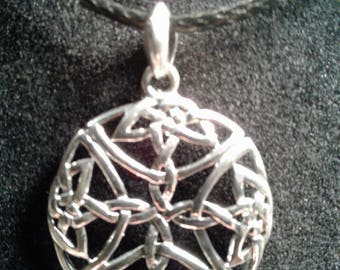 Sterling silver Celtic charm (18)