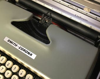 Vintage Typewriter Smith Corona Galaxie